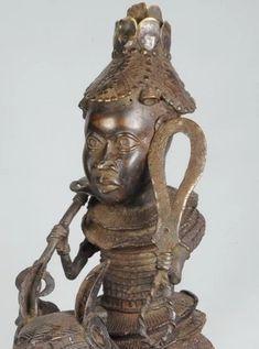 "Superbe Grand cavalier - Statue ""Bronze du Benin"" Horse rider figure - – Galerie de la Louve - Art Tribal Africain - African Tribal Art Gallery Cavalier, Statues, Statue En Bronze, Art Tribal, Rider, Art Premier, Art Africain, Sculpture, Buddha"