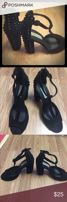Black Edgy Fun wedged spiky heels! Size 8 Black Edgy Fun wedged leather with spiky heels! Steve Madden Hostill barely worn. Open Toed. T-strap. So many cute style put well together. Little edgy, rocker girl. About 2.5 inches. Reasonable offers please. Steve Madden Shoes Heels