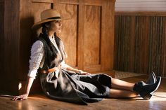 We love this classic western style and @libertyblack cowboy boots featured in @tribeza