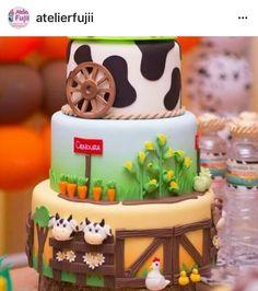 Torta Cowboy Birthday, 1st Boy Birthday, Birthday Party Themes, Barnyard Cake, Farm Cake, Photo Card Maker, Happy Birthday Wishes Photos, Carousel Cake, Farm Party