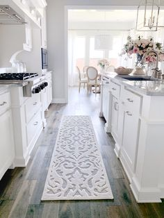 Are you looking for inspiration for farmhouse kitchen? Check this out for very best farmhouse kitchen images. This kind of farmhouse kitchen ideas looks completely wonderful. Kitchen Rug, Home Decor Kitchen, Diy Kitchen, Interior Design Living Room, Home Kitchens, Kitchen Ideas, Awesome Kitchen, White Kitchen Decor, White Cabinet Kitchen