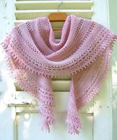 Ravelry: beautiful Rosa Rosae crescent shawlette - pattern for purchase by Mam'zelle Flo