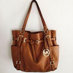MICHAEL KORS Large Miranda Zipper Shoulder Bag Luggage