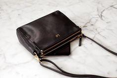 Lo & Sons perfect sized cross body black purse