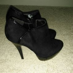 Madden Girl suede ankle boots These were only worn once. Size 7.5 are in excellent shape. Super cute black heeled ankle boots Madden Girl Shoes Ankle Boots & Booties