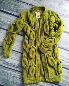 42 Ideas for knitting free patterns cardigan fair isles Crochet Coat, Knitted Coat, Crochet Cardigan, Crochet Clothes, Pull Torsadé, How To Purl Knit, Knit Fashion, Cardigan Fashion, Mode Outfits