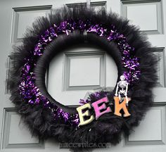 Tulle wreath for Halloween. Make me this for next year miss @Hayley Horner