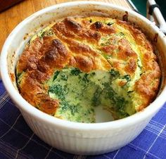 Spinach Souffle with Leeks and Comte' Cheese Baby Food Recipes, Great Recipes, Cooking Recipes, Vegetable Recipes, Vegetarian Recipes, Healthy Recipes, Spinach Souffle, Souffle Recipes, Good Food