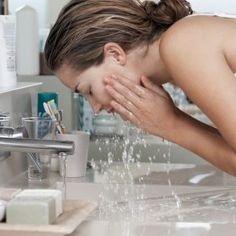 肌トラブルの原因は洗顔だった!?美肌のための正しい洗顔方法とは