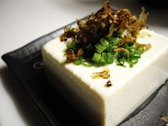 How to Make Tofu From Scratch At Home (The Easy & Vegan Way): http://onegr.pl/1bP1Qe3