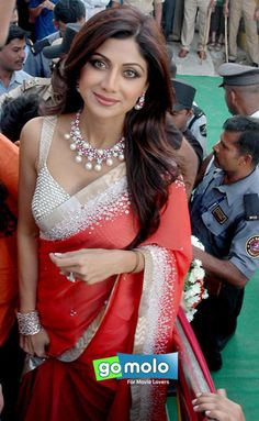 Shilpa Shetty Kundra at the Launch of PC Jewellers new showroom in Bangalore