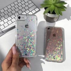 Bring on cascades of glamour and fabulousness with our holo flakes liquid case for the iPhone! Featuring a clear layer riddled with colorful holographic flakes,