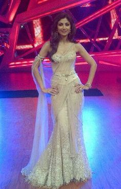 Shilpa Shetty stunning in http://www.TarunTahiliani.com/index.html#/HOME as a Judge in TV Dance Show 'Nach Baliye - 6' Nov, 2013