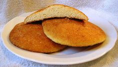 Egg cakes is a traditional Dutch snack and can be eaten without or with additional toppings (e. Food Vans, Egg Cake, Good Food, Yummy Food, Dutch Recipes, Homemade Cookies, Food Gifts, Tray Bakes, Hot Dog Buns