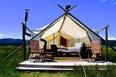 -Deluxe Tent-  Come glamp with us minutes from Yellowstone National Park!