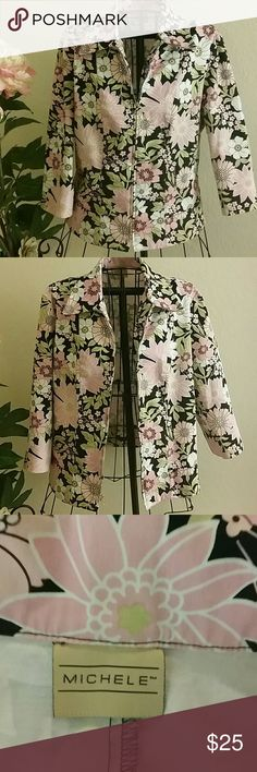 Beautiful Jacket🌹 Beautiful floral jacket with zipper .. make an offer💕 Michele Jackets & Coats