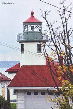 Alki Point Lighthouse (West Seattle, Washington) - built in 1913