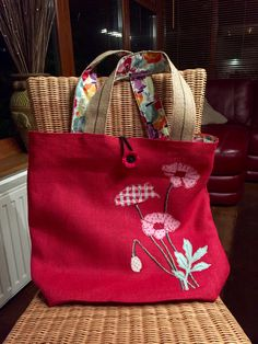 Made for my Mum for Xmas. Using my favourite bag pattern off Pinterest I machine embroidered poppy's onto the red hessian fabric (my Mums favourite colour and flower). She loved it and uses it ALL of the time : )