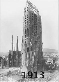 la sagrada familia first construction ile ilgili görsel sonucu Architecture Cool, Religious Architecture, Antonio Gaudi, Famous Buildings, Modern Buildings, Gothic Cathedral, Dubai Skyscraper, Madrid, Alicante Spain