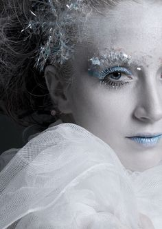 Ice Queen makeup blue makeup winter snow halloween gothic adult costume ideas