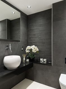 Is your home in need of a bathroom remodel? Give your bathroom design a boost with a little planning and our inspirational 65 Most Popular Small Bathroom Remodel Ideas on a Budget in 2018 Grey Bathroom Interior, Modern Bathroom Design, Bathroom Designs, Contemporary Bathrooms, Bathroom Grey, Dark Grey Bathrooms, Marble Bathrooms, Shower Designs, Vanity Bathroom