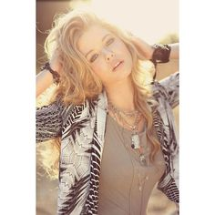 Sasha Pieterse ❤ liked on Polyvore featuring people, sasha pieterse, hair, pictures and pretty little liars