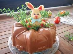 Dieser Gugelhupf ist der weltbeste Karottenkuchen ever!!!! So saftig, so fluffig, so weich und sooooooo megalecker, den müsst ihr unbedingt backen!