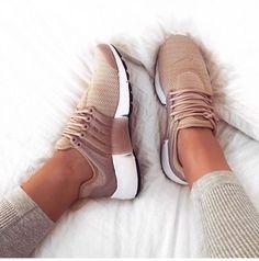 Nike sneacker!