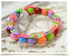How to Make Rainbow Rubber Band Bracelets with Acrylic Beads
