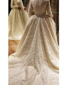 Comfy and Chic Outfit Ideas with Sneakers! Dream Wedding Dresses, Bridal Dresses, Wedding Girl, Winter Dresses, Formal Dresses, Dress Winter, Hijab Dress Party, Choo, Most Beautiful Dresses