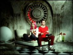 Music video by No Doubt performing Simple Kind Of Life. (C) 2000 Interscope Geffen (A) Records A Division of UMG Recordings Inc.