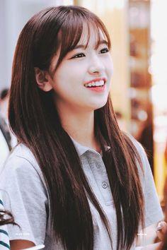 Kpop Girl Groups, Kpop Girls, Secret Song, Yu Jin, Korean Girl Fashion, Japanese Girl Group, Famous Girls, Choi Yoojung, The Wiz