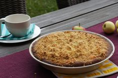 Puistolan bistro: Raparperi-omenapiiras Macaroni And Cheese, Oatmeal, Baking, Breakfast, Ethnic Recipes, Food, The Oatmeal, Morning Coffee, Mac And Cheese