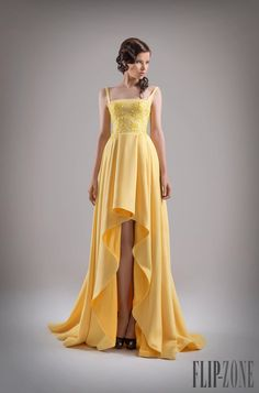 I found some amazing stuff, open it to learn more! Don't wait:http://m.dhgate.com/product/eye-catching-2015-yellow-hi-lo-evening-gowns/251174043.html