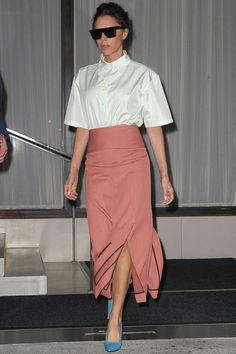 f58470b96 Victoria Beckham Viktoria Beckham, Alaska Fashion, Victoria Beckham Style,  Victoria Style, Mature