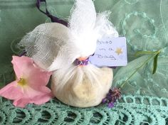 Bliss in a Bag: Skin Conditioning, Stress Relieving, Emotionally Calming Bath Soak - pinned by pin4etsy.com