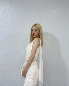 Kpop Girl Groups, Korean Girl Groups, Kpop Girls, Extended Play, Cloud Dancer, G Friend, Korean Singer, South Korean Girls, Girl Power