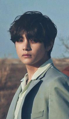 Lemme introduce to you. Kim Taehyung a.a everybody's imaginary boyfriend ; Bts Taehyung, Jimin, Bts Bangtan Boy, Namjoon, Taehyung Photoshoot, Daegu, Foto Bts, Bts Photo, K Pop