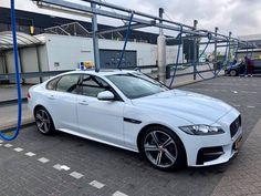 Jaguar XF-R sport Trouwauto huren in heel Nederland bij Royal Trouwauto Service