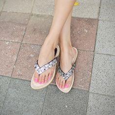 Korea womens shopping mall [styleberry] Bling V Cubic flip flops / Size : 230~250 mm / Price : 24.03 USD #korea #shoes #fashionshop #fashion #flipflops #sandal #slipper #flat #womensclothing