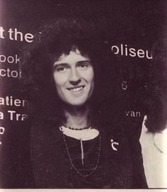 Queen Brian May, I Am A Queen, Queen Queen, Led Zeppelin Poster, Princes Of The Universe, Queen Photos, British Rock, John Deacon, Stupid Memes