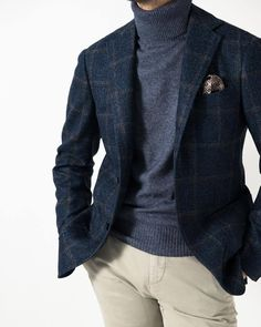 Details make the Difference & Style at Luxury & Vintage Madrid Smart Casual Suit, Mens Casual Suits, Mens Fashion Suits, Blazer Outfits Men, Blue Blazer Outfit, Men's Coats And Jackets, Zac Efron, Business Casual Outfits, Gentleman Style