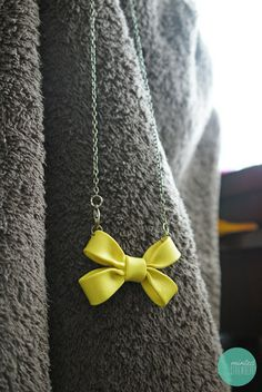 double-bow-necklace-polymer-clay #geek