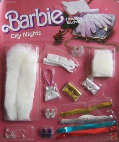 Barbie City Nights Finishing Touches w Faux Fur Stole Mattel Hawthorne) 1980s Barbie, Barbie Doll Set, Barbie Dream, Barbie Furniture, Vintage Barbie Clothes, Vintage Toys, Faux Fur Stole, Barbie Doll Accessories, My Childhood Memories