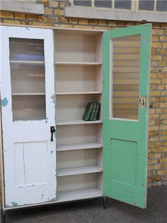 (adds old doors to a bookshelf) Vintage retro antique furniture - Upcycled Furniture Ideas Redo Furniture, Painted Furniture, Home Furniture, Furniture Diy, Diy Home Decor, Repurposed Furniture, Vintage Furniture, Old Doors, Doors