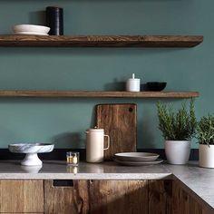 Green Kitchen Ideas - Home Design - lmolnar - Best Design and Decoration You Need Green Kitchen Designs, Green Kitchen Walls, Kitchen Wall Tiles, Kitchen Cabinet Design, Kitchen Flooring, Kitchen Decor, Kitchen Cabinets, Kitchen Ideas, Kitchen Pantry