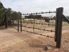 Farm Gates Metal Driveway Gates, Driveway Entrance, Front Gates, Entrance Gates, Farm Gate, Farm Fence, Fence Gate, Driveway Landscaping, Backyard Fences
