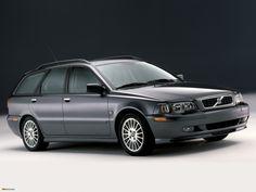 Cars in studio Volvo V40 2002