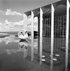 Photo: Marcel Gautherot Oscar Niemeyer Brasilia