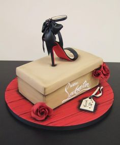Cupcakes reference #9 - heelsChristian Louboutin Cake